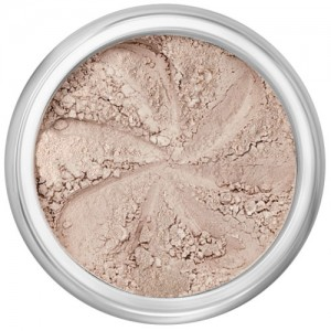 Demi-matte nude beige in a natural loose mineral powder formulation.
