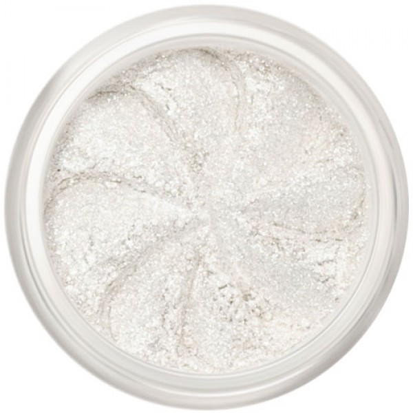 White sparkle in a natural loose mineral powder formulation.