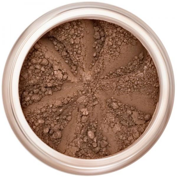 Matte, rich brown in a natural loose mineral powder formulation