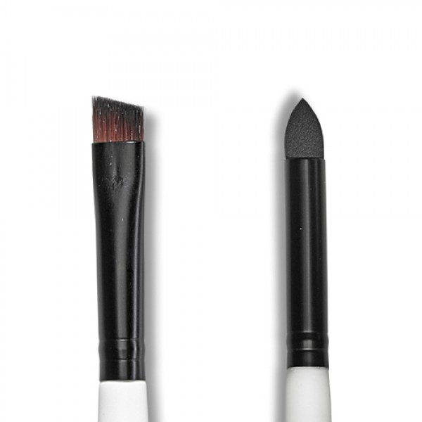 Multi-purpose brush offers the smudge end to soften and smudge eye liner to create a gorgeous smoky eye look. Shaped eye-liner end is the perfect size for precision lines along the eye.