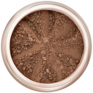 Matte, rich brown in a natural loose mineral powder formulation