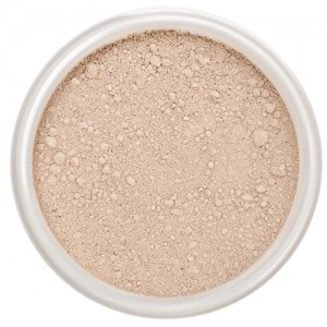 Lily Lolo Mineral Foundation – Candy Cane - Light, cool with pink undertones.