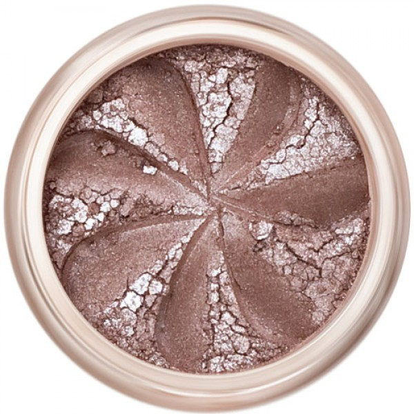 Smoky brown shimmer in a natural loose mineral powder formulation