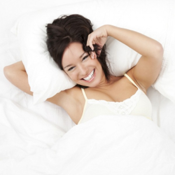 Wake up after a good night's sleep every morning when you sleep on a silk filled pillow